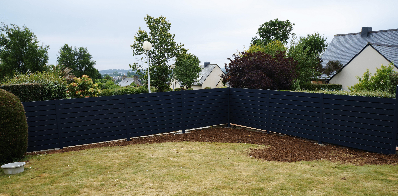 Palissade de jardin en composite